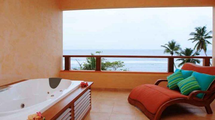 Mahé Seychely Double Tree by Hilton – Allamanda Resort and Spa
