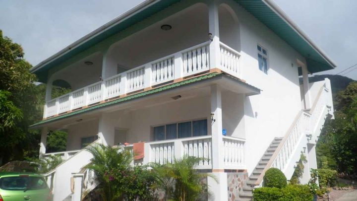 Hotel Seychely - Diver's Lodge Guest House**