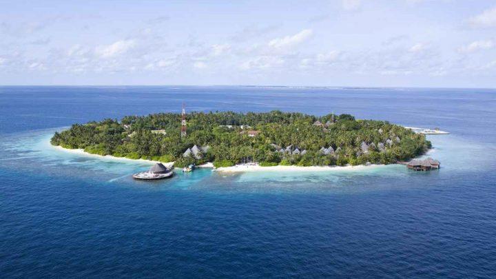 Dovolená Maledivy - Bandos Island Resort Spa****