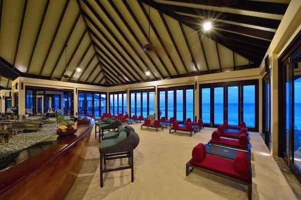 Maledivy Atmosphere Kanifushi