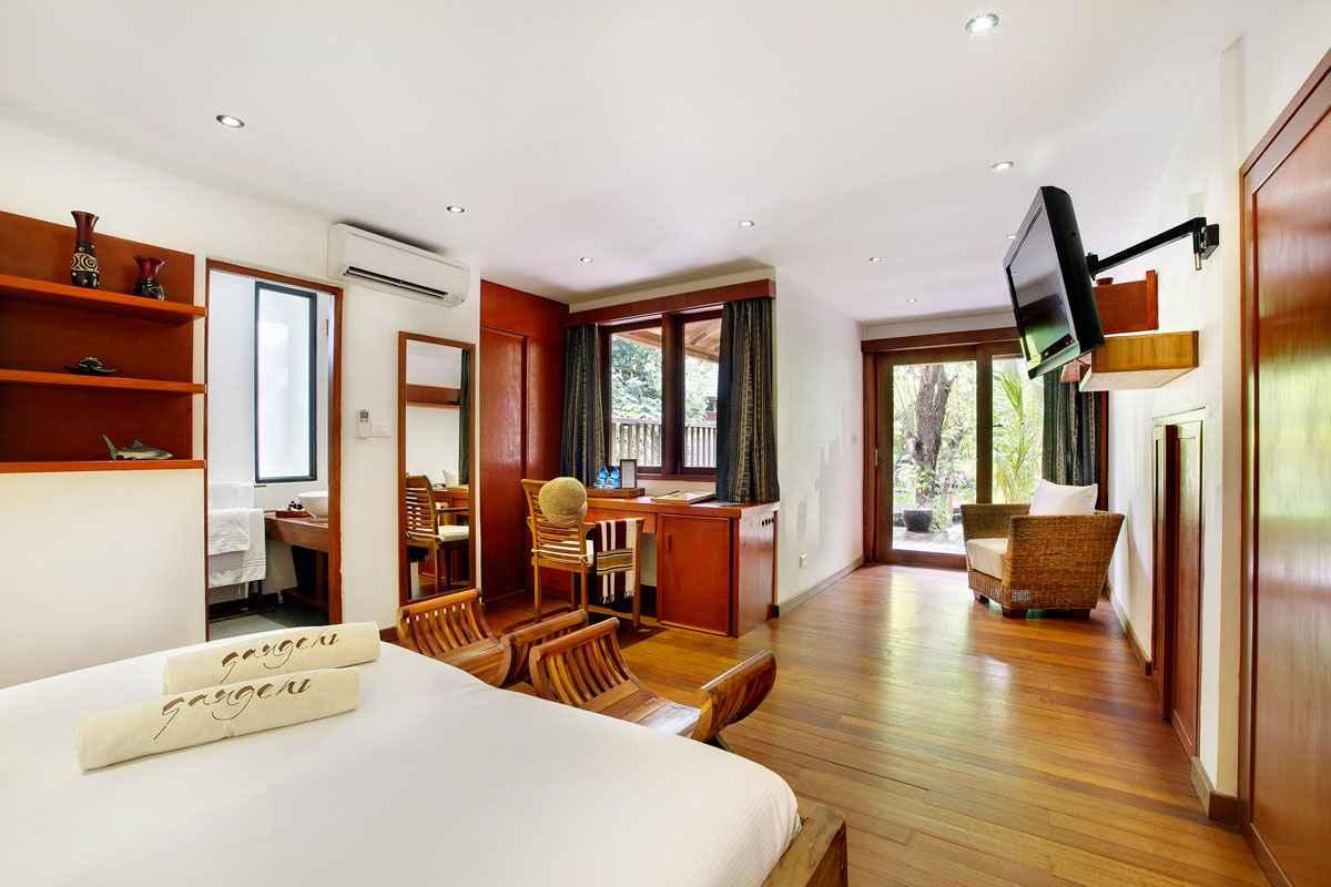Culb Room
