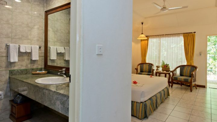 Garden room, hotel Royal Island, Maledivy