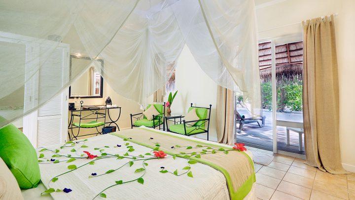 Garden Bungalow, resort Kuredu, Maledivy