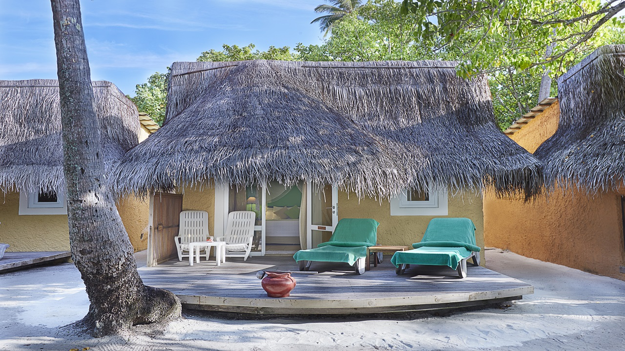 Garden Bungalow, Kuredu Resort, Maledivy