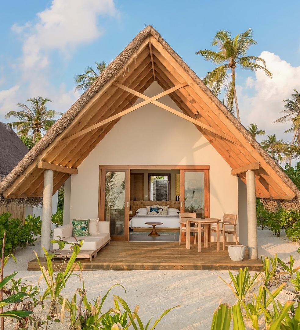 Beach Villa Sunrise, Fushifaru Maldives. Maledivy